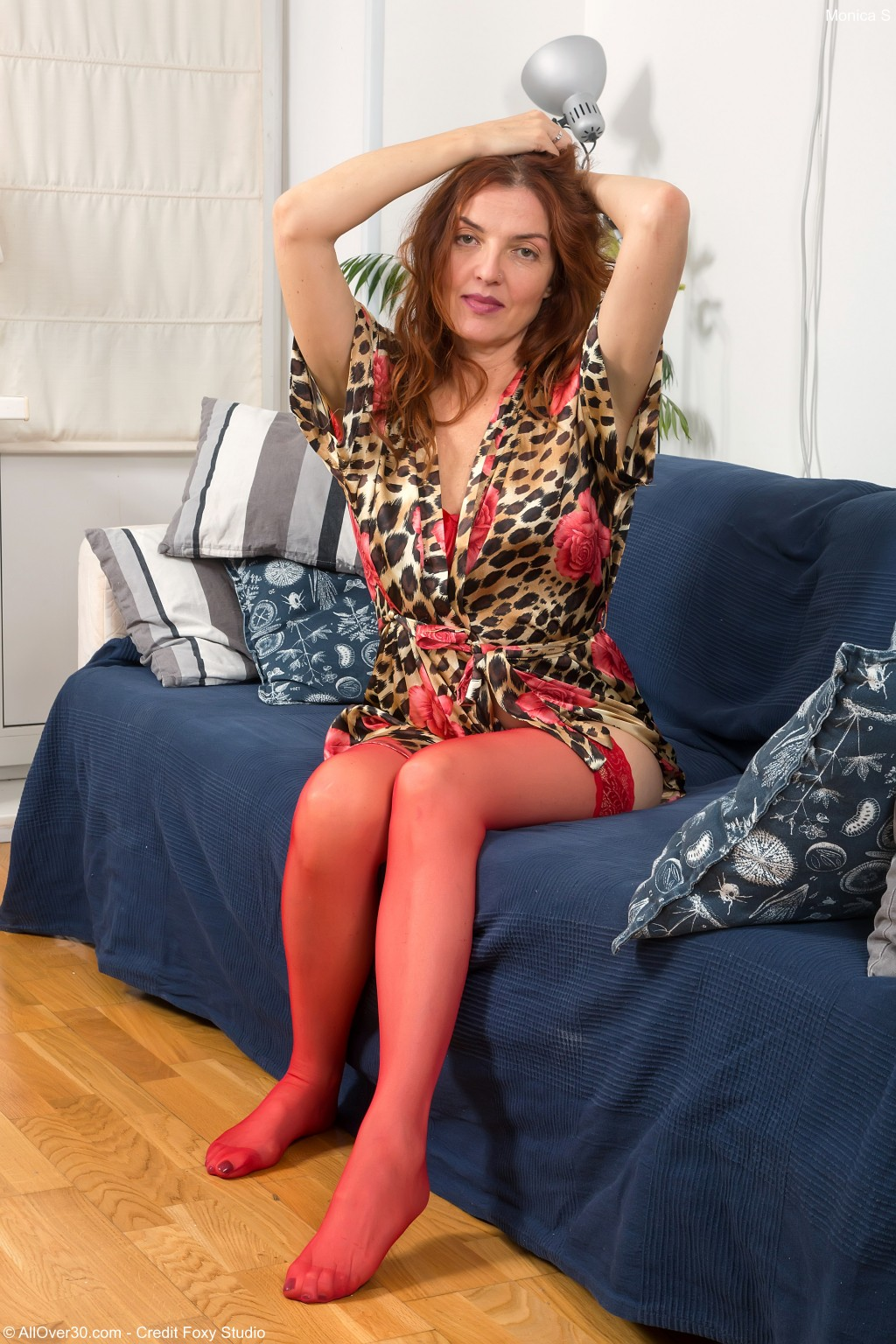 Hot porn gallery of Sexy mature Monica S in stockings