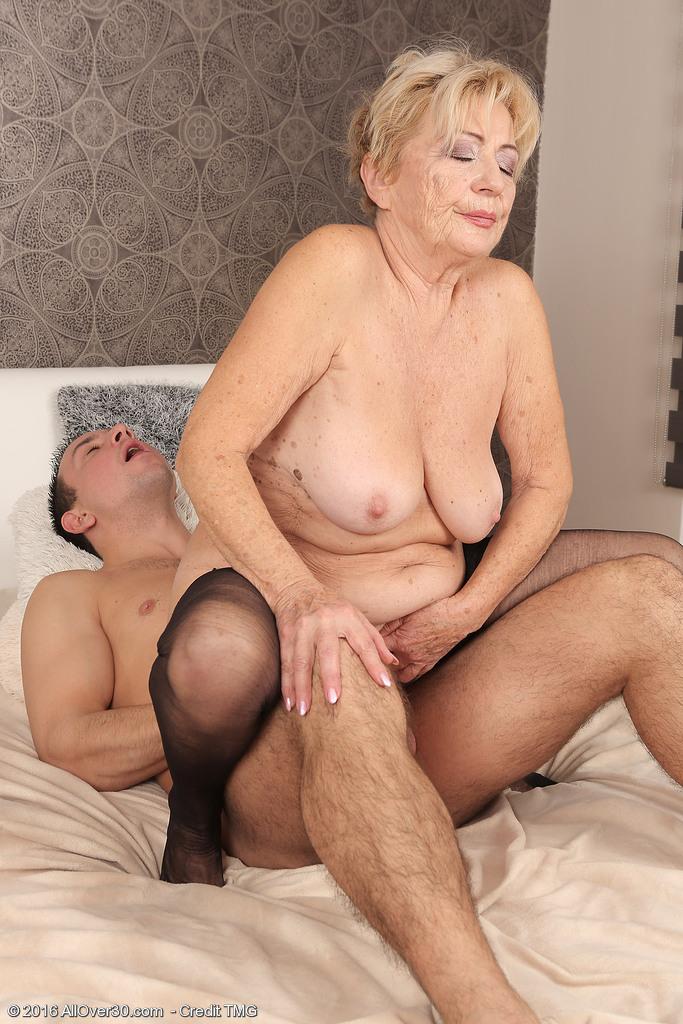 Big cocks anf boobs tube