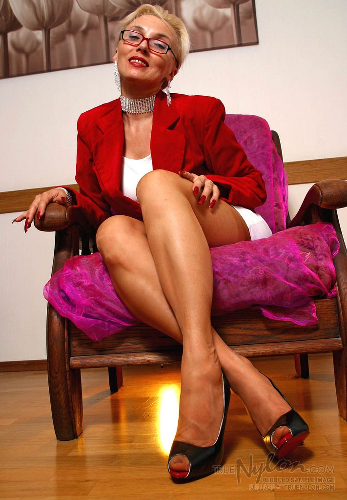 pictures mature woman